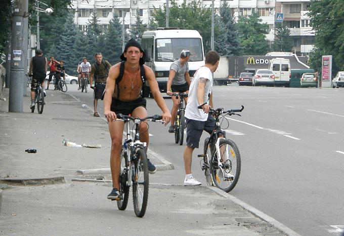 KAVA велосипедисты