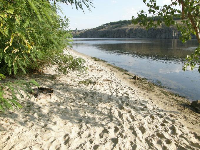 Туристический пляж на Хортице